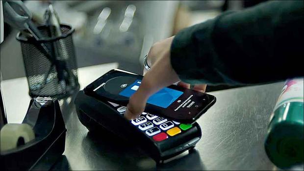 Smartphones avançam como substitutos do cartão de crédito e débito
