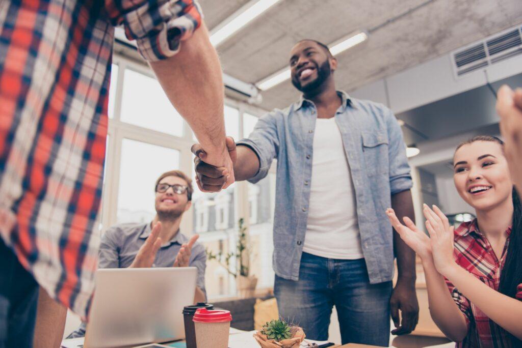 Como um sistema pode auxiliar empresas a crescerem rapidamente