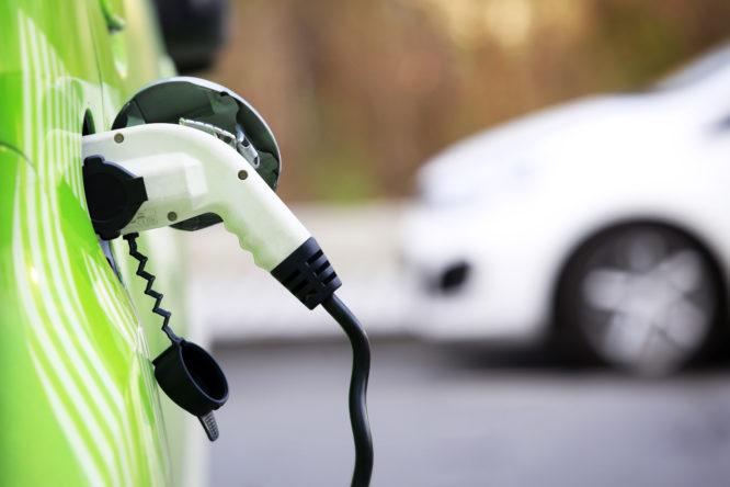 Embrapii desenvolve posto de recarga brasileiro para veículos elétricos