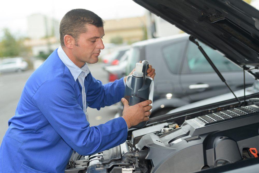 Qual é o jeito certo de fazer a troca de óleo do motor?