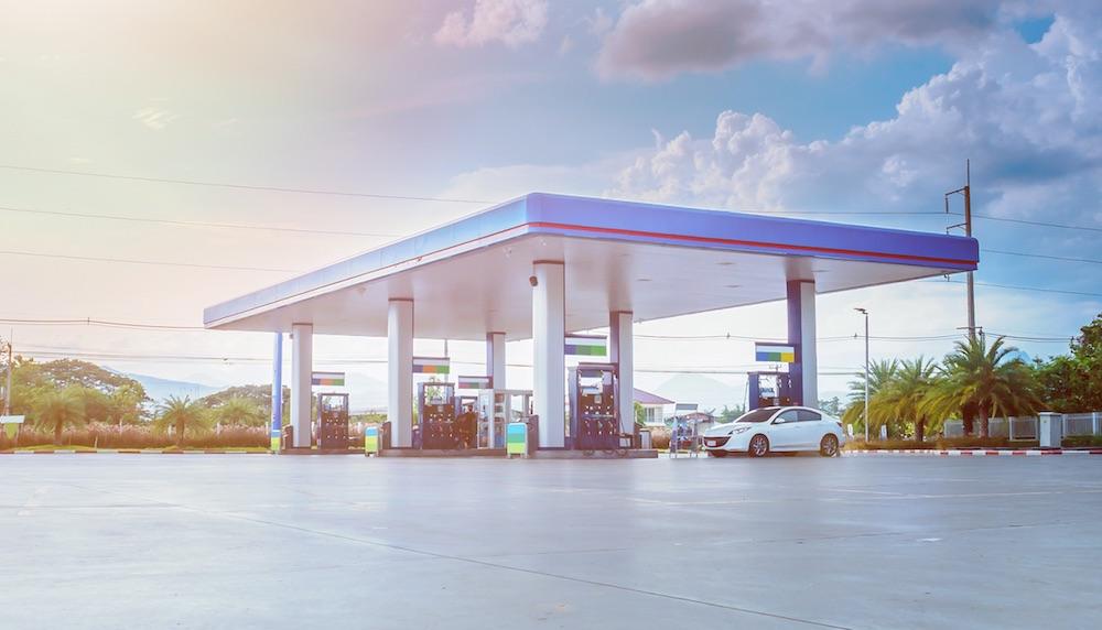 Com ou sem bandeira – qual a melhor opção para seu posto de combustível?
