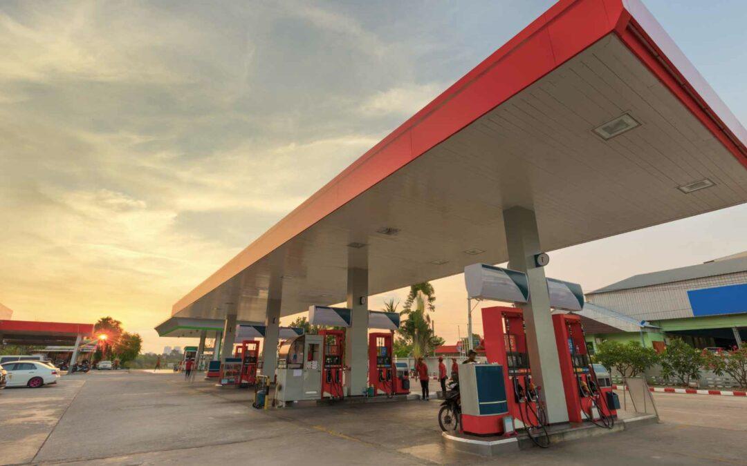Como destacar seu posto de gasolina da concorrência gastando pouco?
