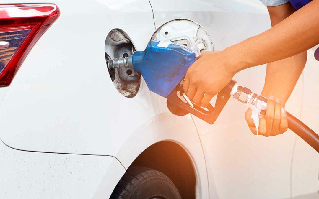 Preço médio da gasolina nos postos do Brasil sobe pelo 7º mês, diz ValeCard